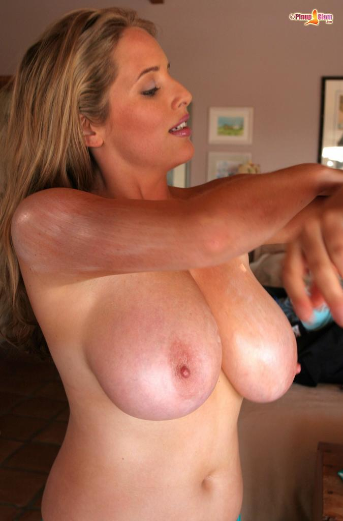 Great set of tits and nice pussy on this bitch 3